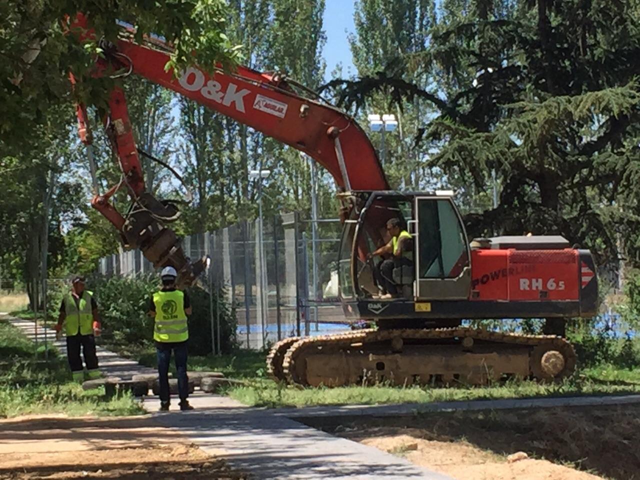 Construcción de terrenos deportivos y jardinería residencial