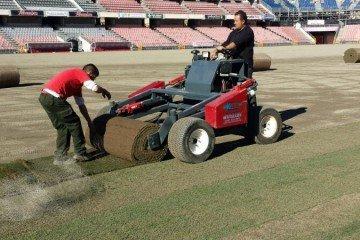 Nueva construcción o puesta a punto de campos de Futbol y Golf