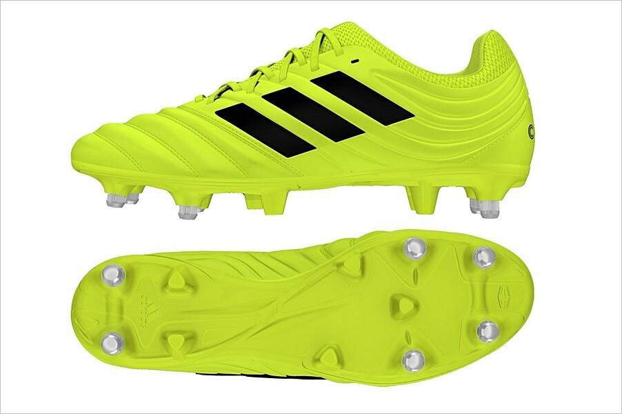 Césped natural o artificial: cómo seleccionar los zapatos de fútbol